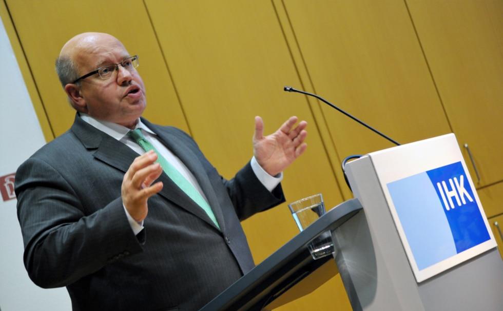 Bundesumweltminister am Pult