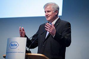 Horst Seehofer am Rednerpult faircom futura