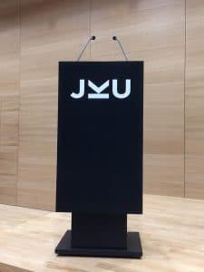 Pult der Johannes Kepler Universität Linz