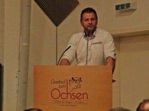 Anlässlich des 111. Aargauer Kantonalschwingfests in Brugg (Schweiz) erlebten rund 400 Gäste eine würdige Taufe der Lebendpreise im Ochsen Lupfig. Dabei kam auch ein Rednerpult faircom parlament zum Einsatz.