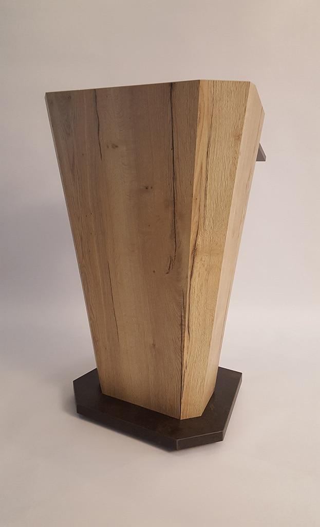 Rednerpult aus Holz
