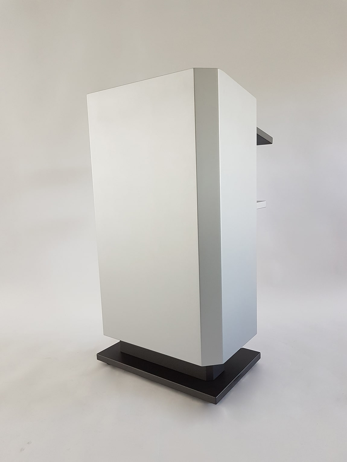 Höhenverstellbares Rednerpult faircom kubus