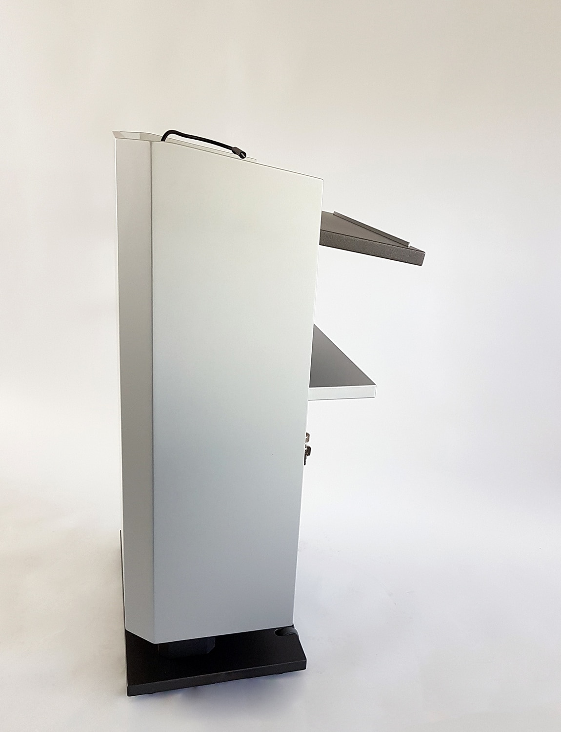 Rednerpult kubus - elektrisch höhenverstellbar